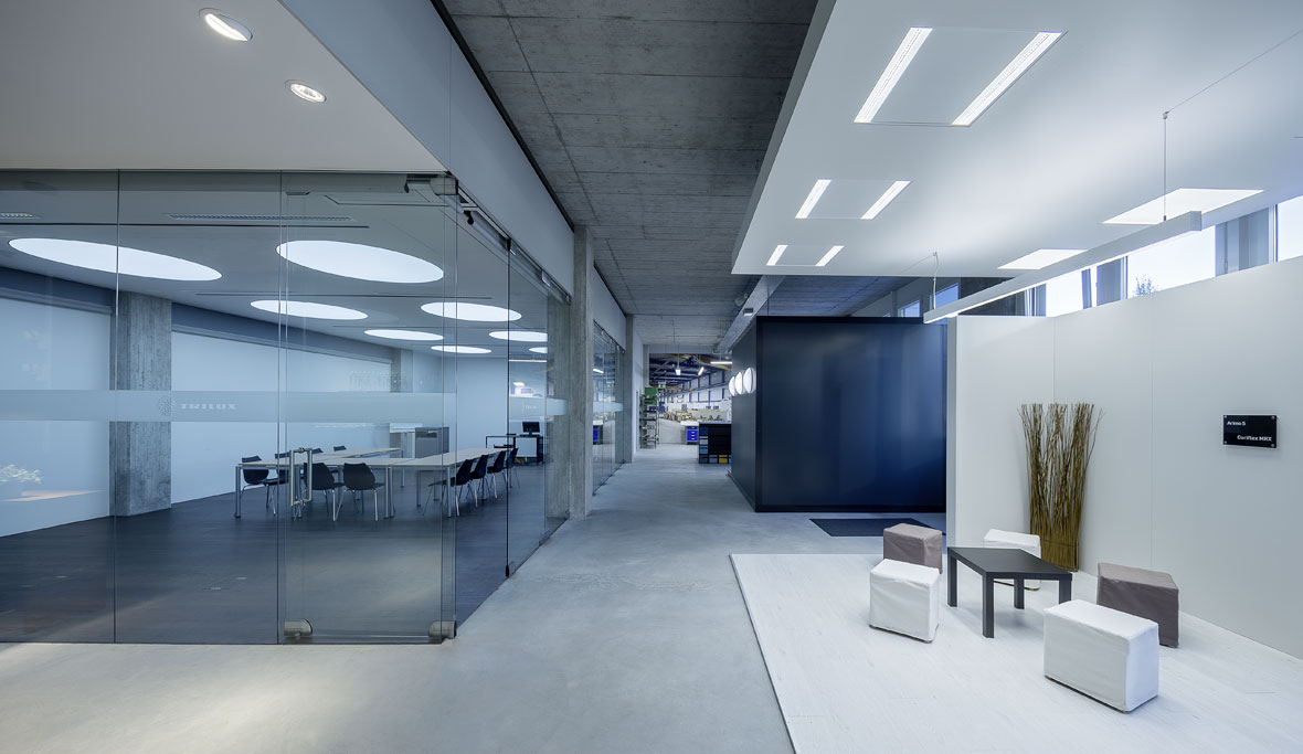 Lighting for offices led office lighting trilux for Office design guidelines uk