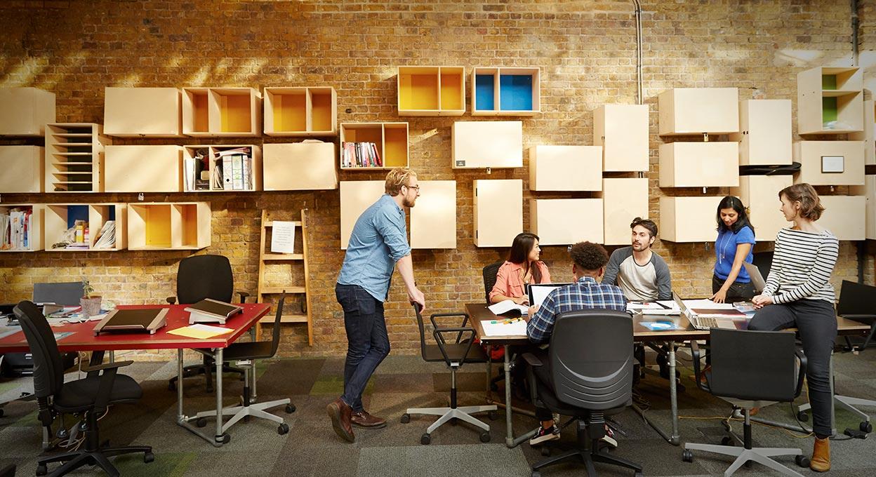 Piccolo Ufficio Moderno : Ambienti di lavoro sulle applicazioni office trilux