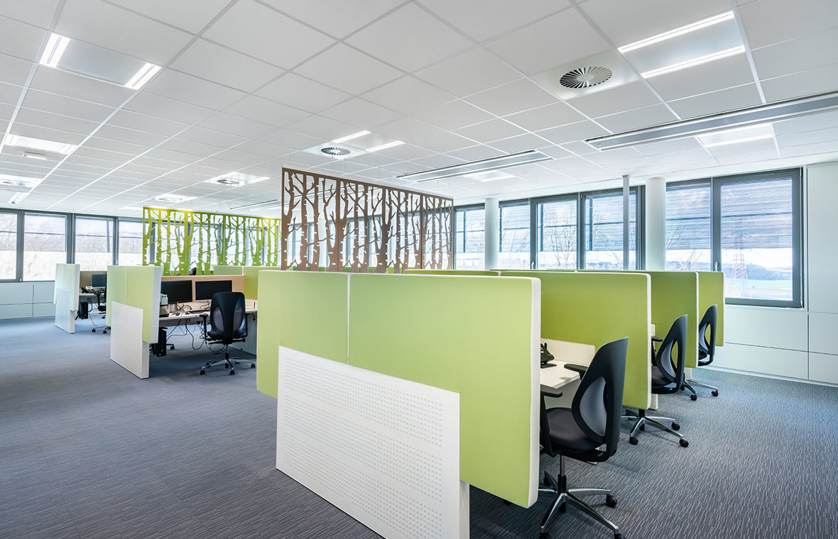 Illuminazione led per aree di ingresso e uffici trilux