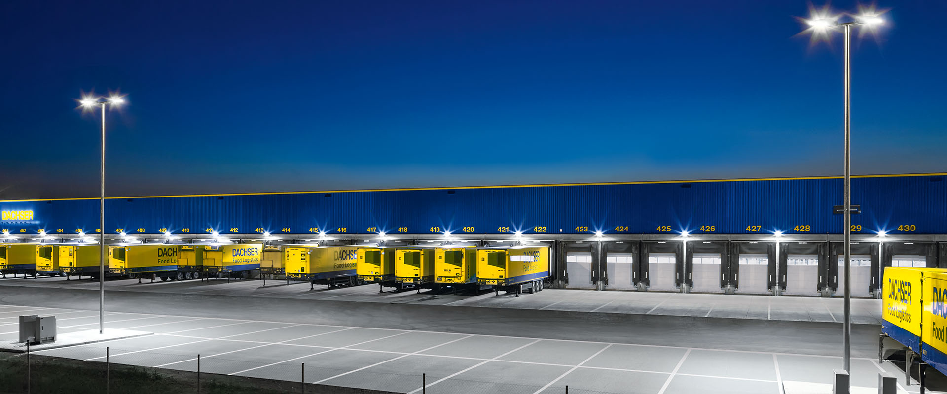 Parkings eclairage ext rieur application trilux for Eclairage parking exterieur
