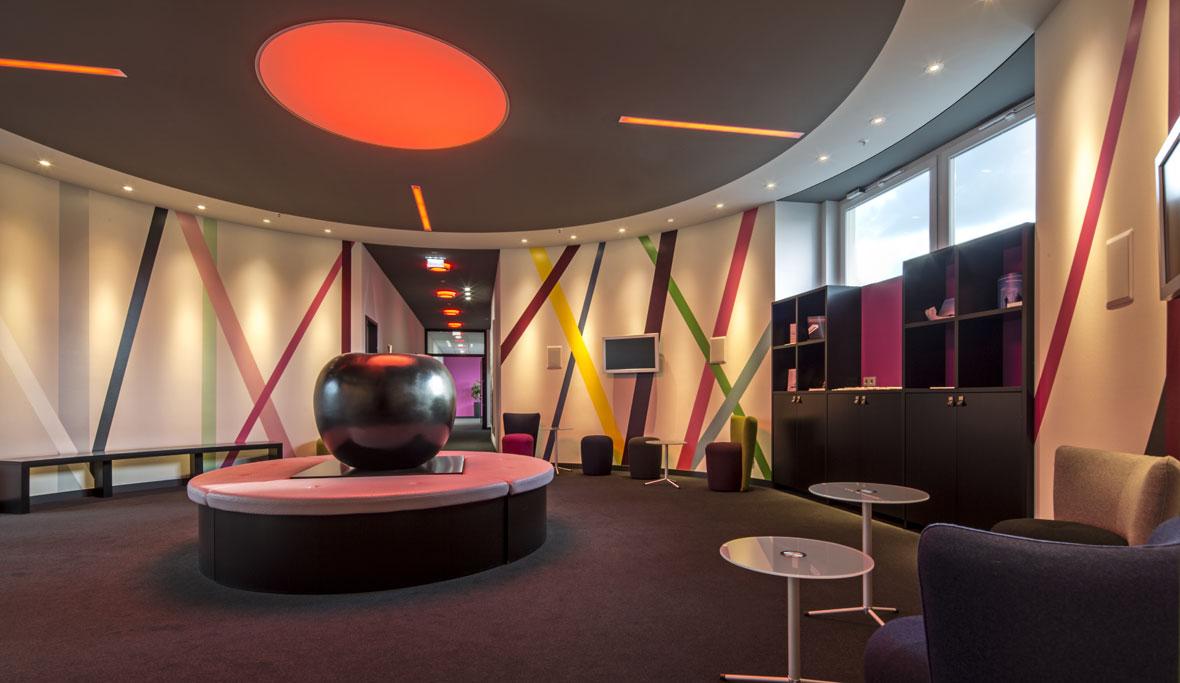 kompetenzcenter von trilux professionelle beratung trilux. Black Bedroom Furniture Sets. Home Design Ideas