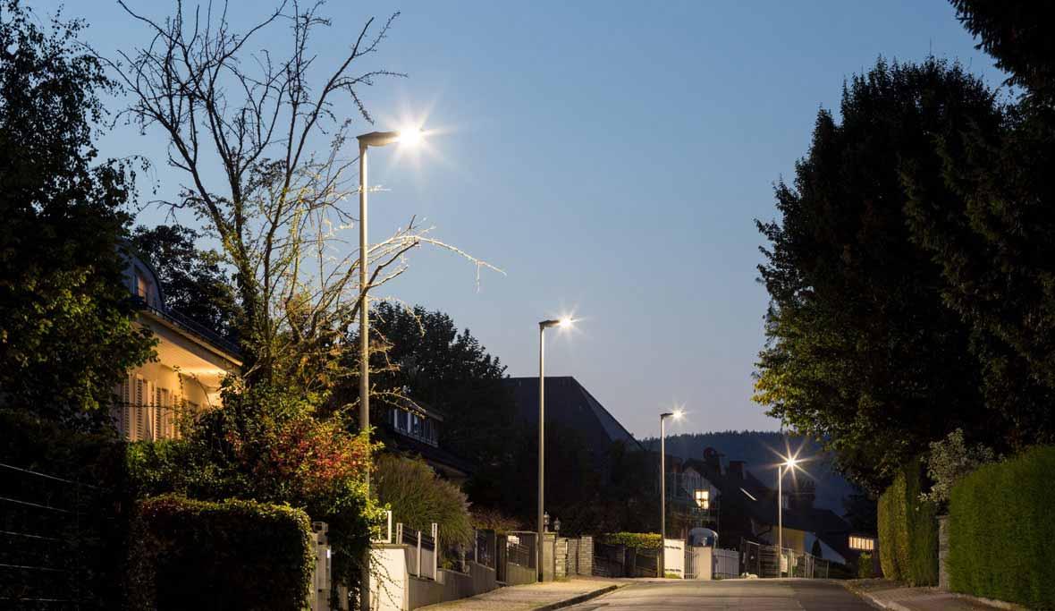 wenn licht laufen lernt ludwigsburg deutschland trilux. Black Bedroom Furniture Sets. Home Design Ideas