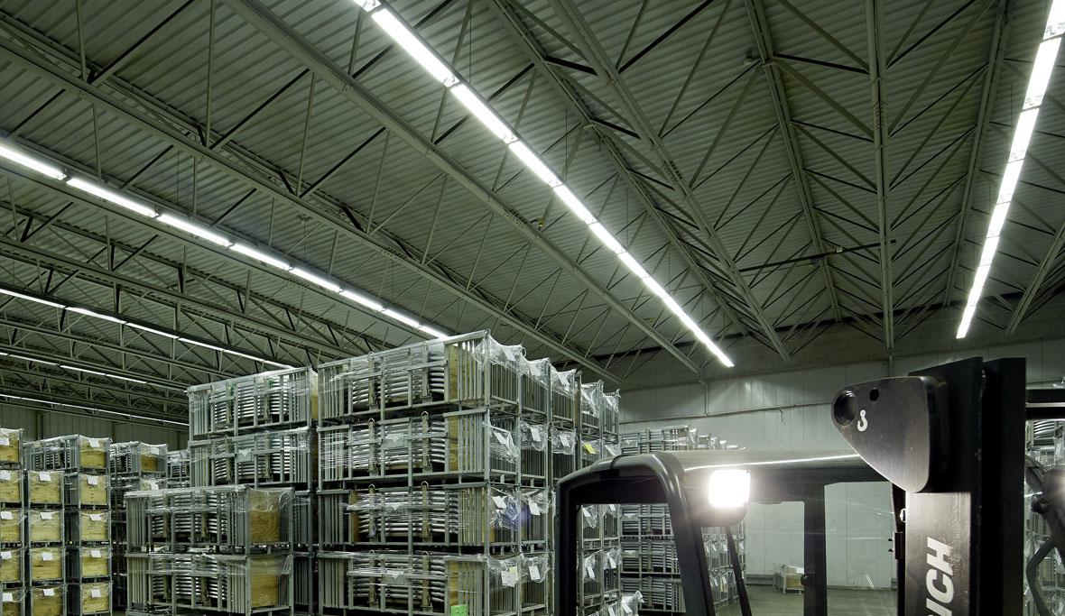 Sanierung einer Logistikhalle - Gebr. Taskin Logistics GmbH | TRILUX