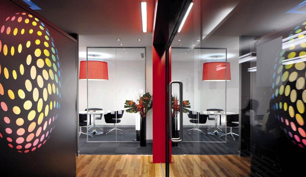 trilux headquarter uk trilux simplify your light. Black Bedroom Furniture Sets. Home Design Ideas