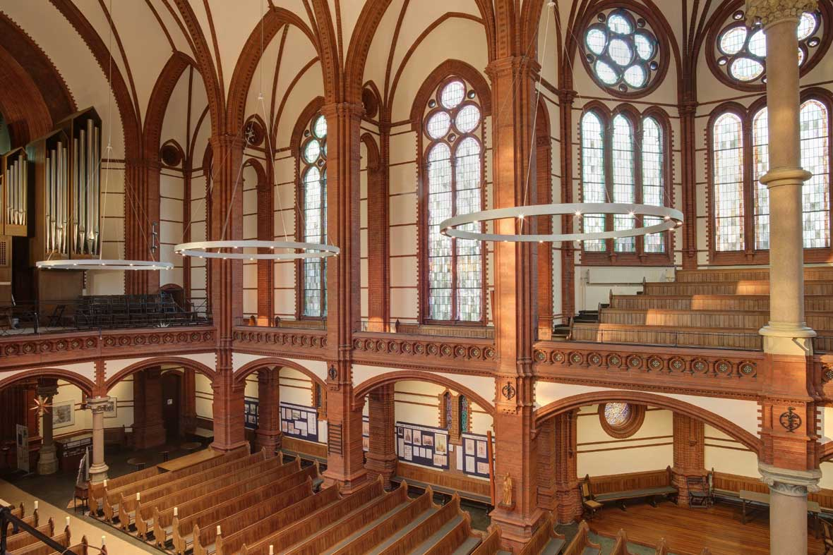 st gertrud kirche hamburg deutschland trilux. Black Bedroom Furniture Sets. Home Design Ideas