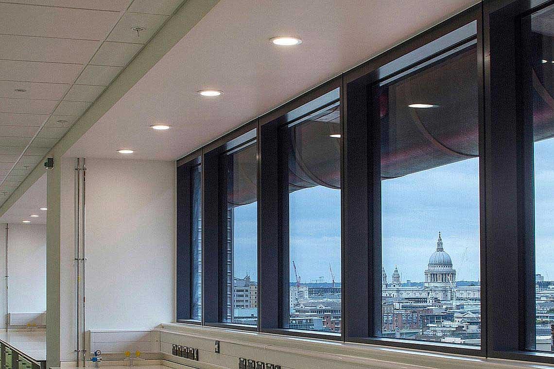 krebszentrum guy 39 s hospital london uk trilux. Black Bedroom Furniture Sets. Home Design Ideas
