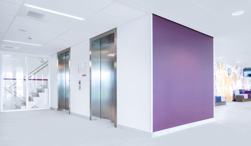 Hospital corridor lighting - LED for hospitals by TRILUX